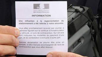 Ce petit papier est déposé sur le pare-brise de la personne qui recevra son PV par voie postale