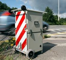 Le radar est placé dans une poubelle déguisée en balise
